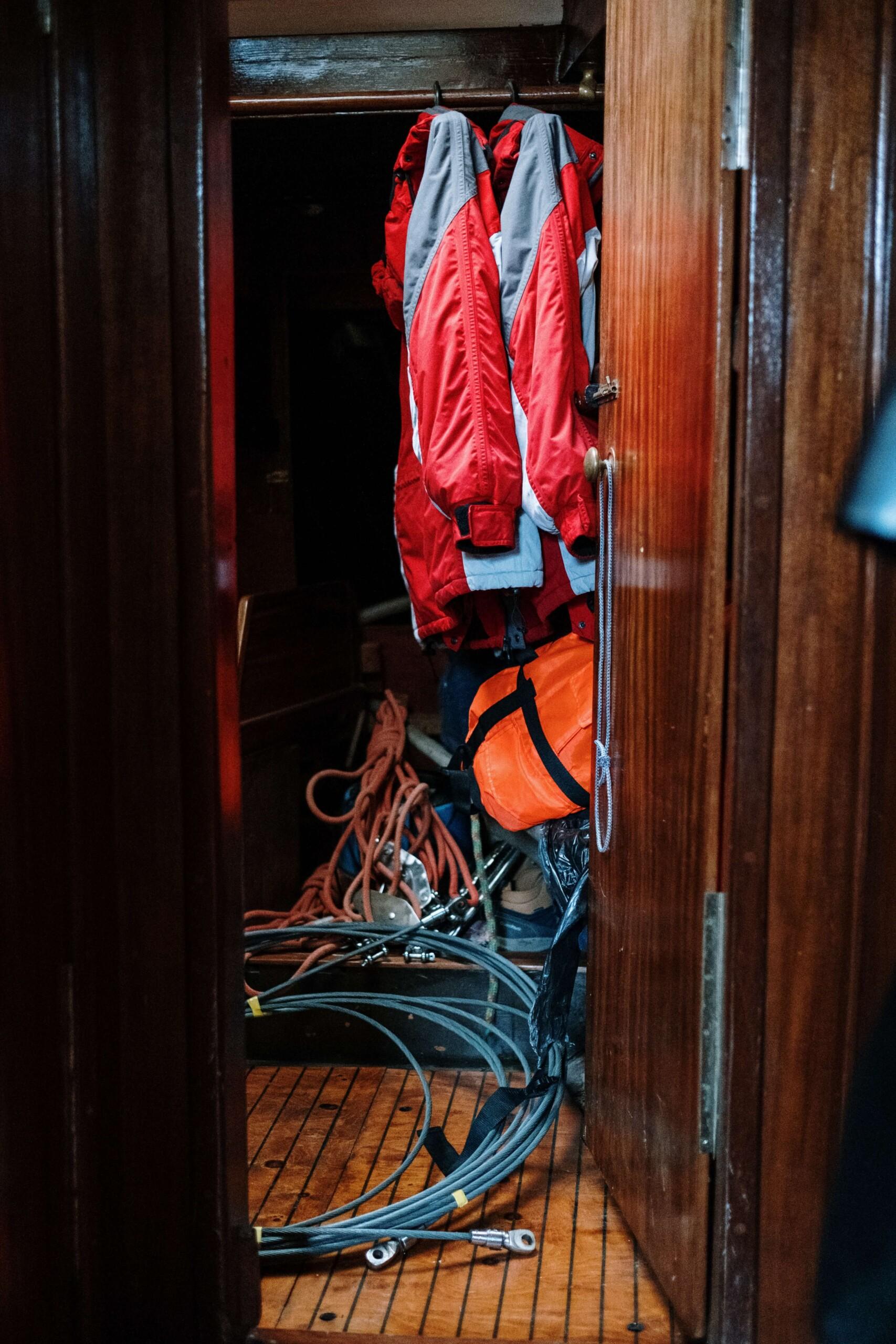 équipement de sécurité à bord d'un bateau
